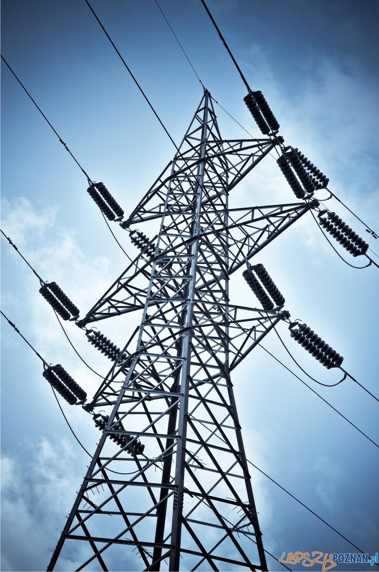 linia wysokiego napięcia prąd  Foto: sxc