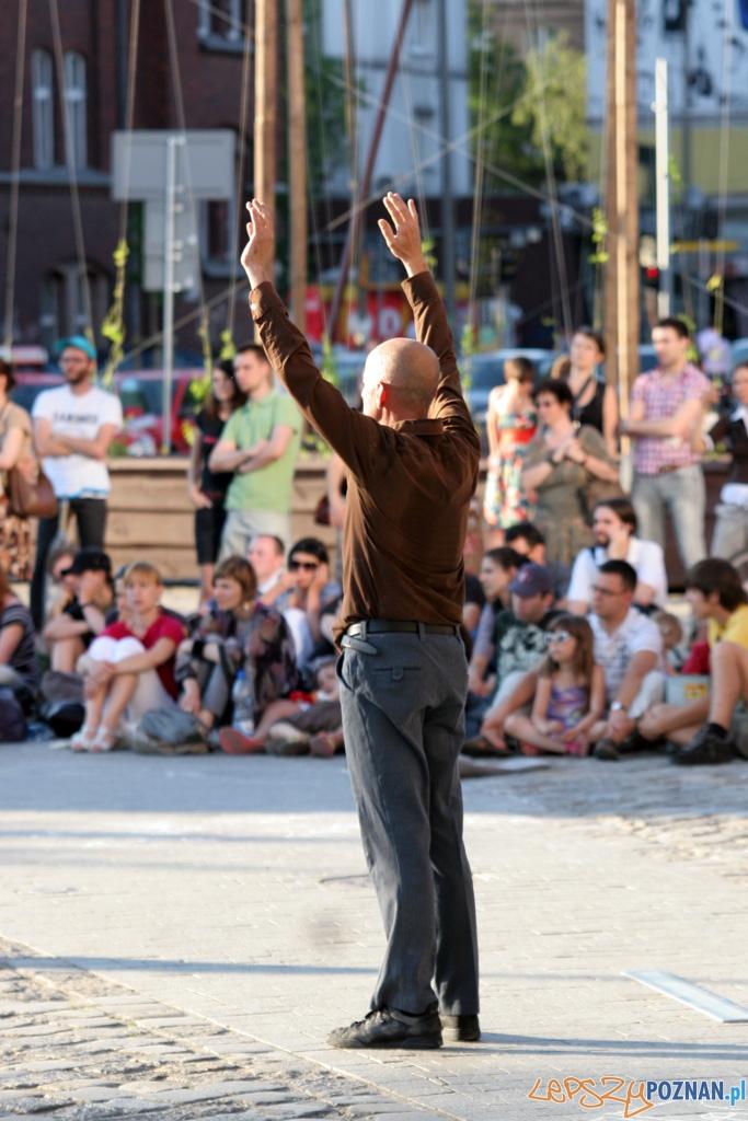 Festiwal Malta - dzień czwarty 28.06.2010 r. - COMPAGNIE EX NIHILO - Trajets De Ville  Foto: Piotr Rychter