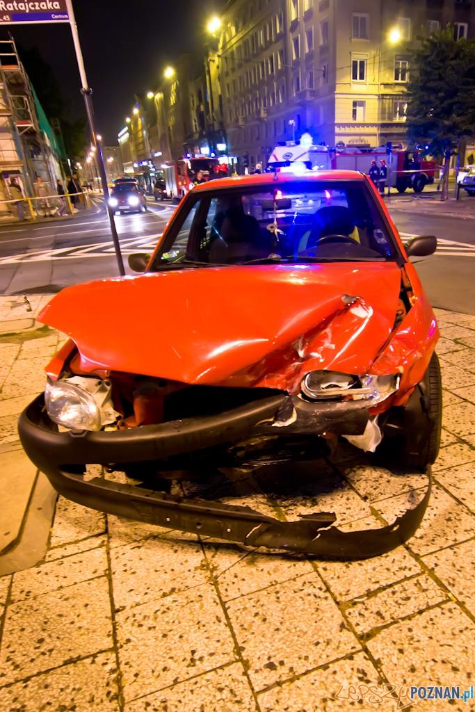Wypadek na skrzyżowaniu 27 Grudnia i Ratajczaka  Foto: lepszyPOZNAN.pl / Piotr Rychter