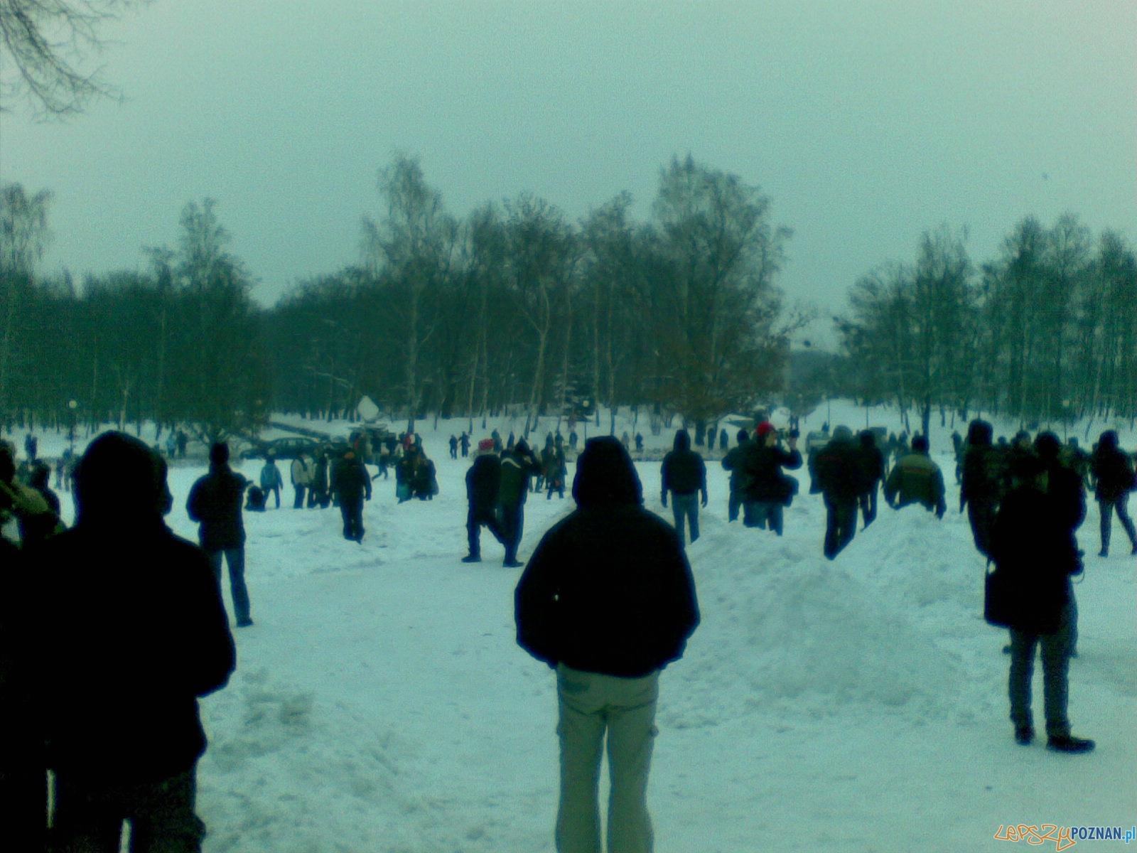 wielka bitwa na śnieżki  Foto: lepszyPOZNAN / gsm