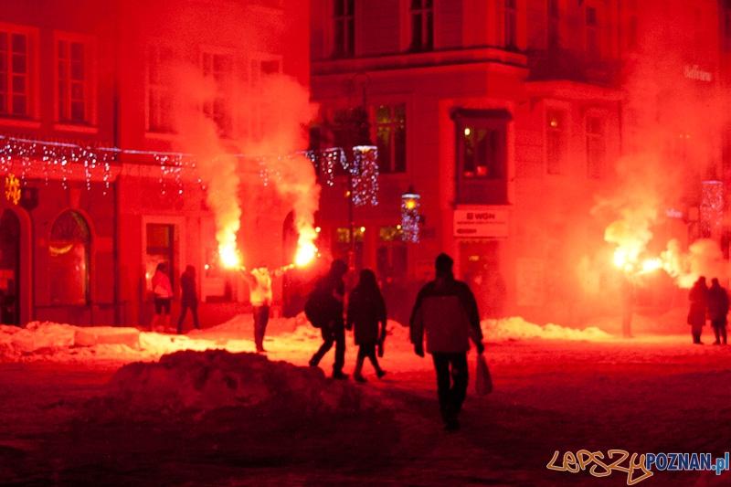 92. rocznica wybuchu Powstania Wielkopolskiego - Stary Rynek - 27.12.2010 r.  Foto: lepszyPOZNAN.pl / Paweł Rychter