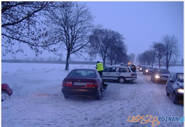 Wypadek w Gaju Wielkim - archiwum (25.12.2010)  Foto: KW PSP w Poznaniu