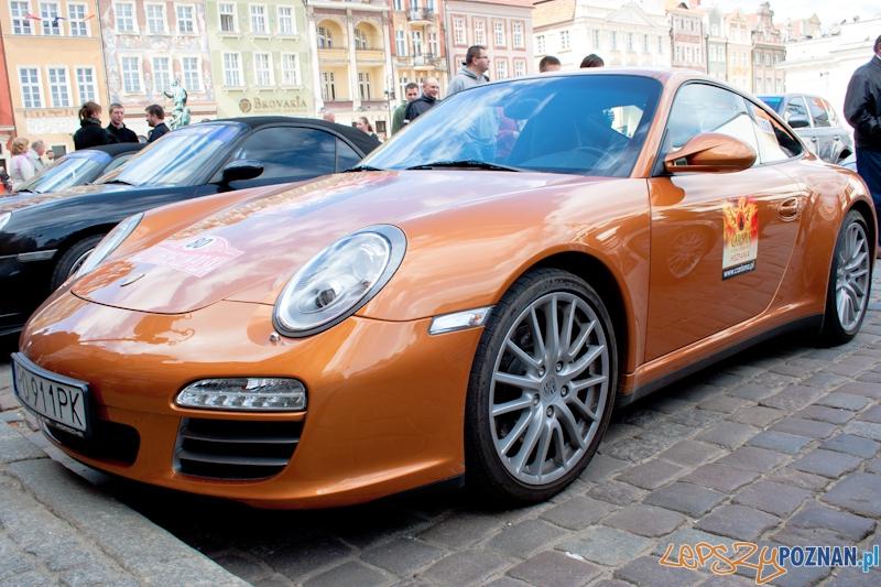 Klub Porsche na Starym Rynku - 10.04.2011 r.  Foto: LepszyPOZNAN.pl / Paweł Rychter