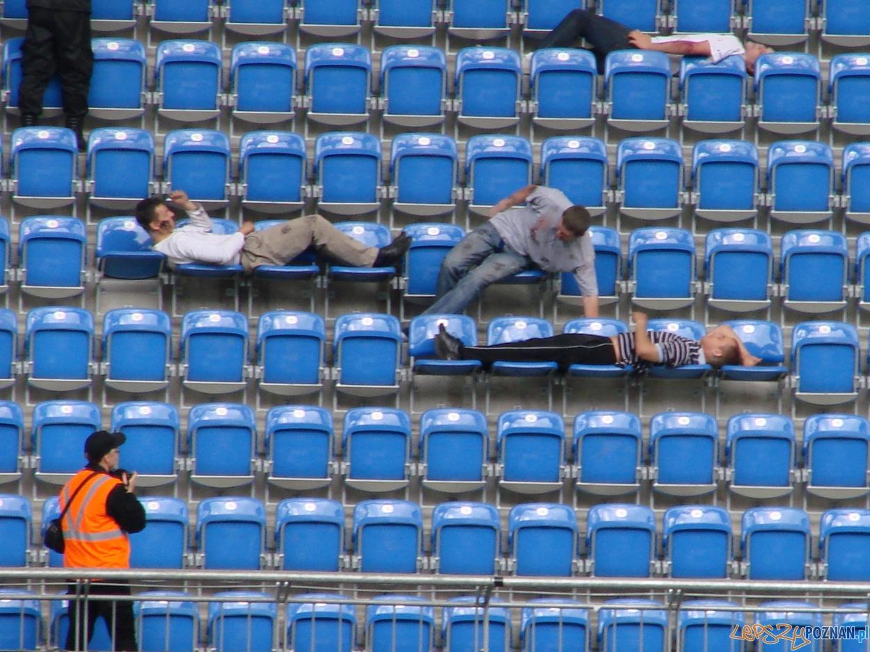 Ćwiczenia na Stadionie Miejskim  Foto: lepszyPOZNAN.pl / ag