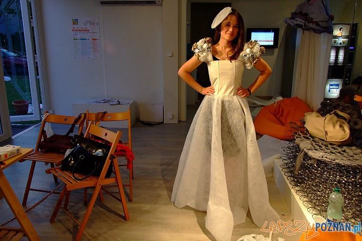 Eko design na Woli suknie ślubne (1)  Foto: Magda Bojan