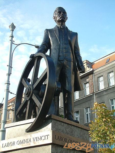 Pomnik Cegielskiego  Foto: