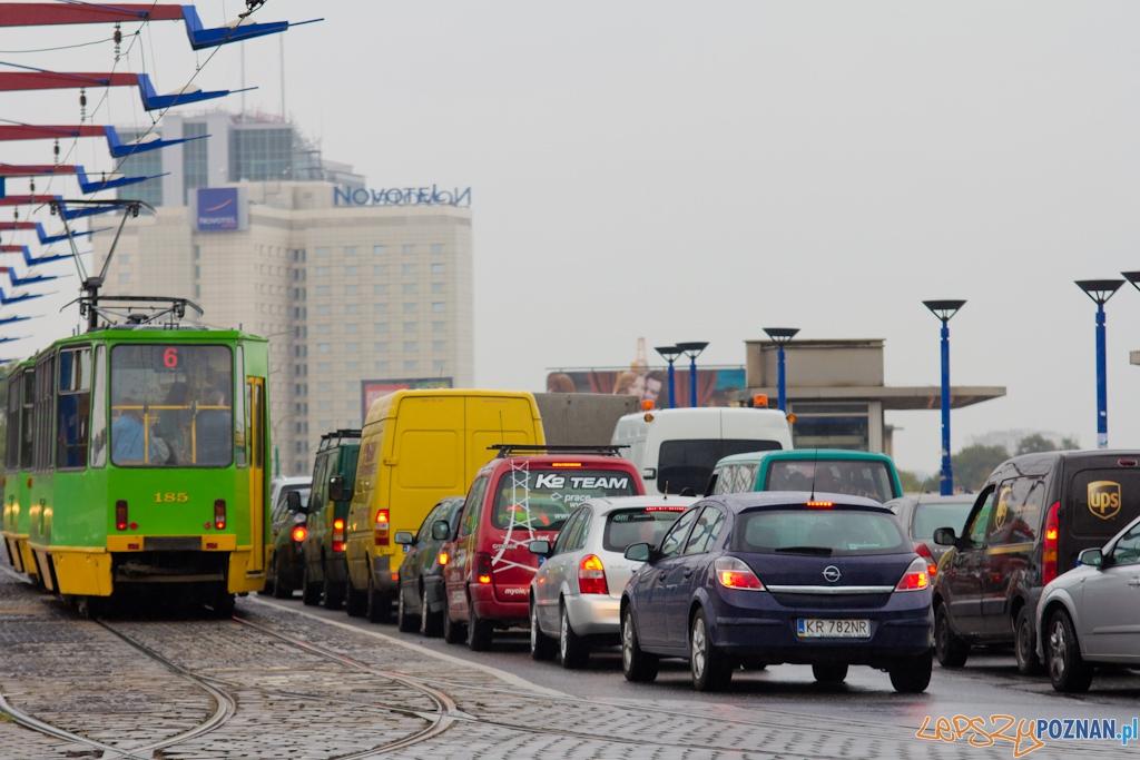 Zakorkowany Most Dworcowy  Foto: lepszyPOZNAN.pl / Piotr Rychter