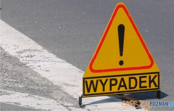 uwaga wypadek  Foto: lepszyPOZNAN.pl / ag