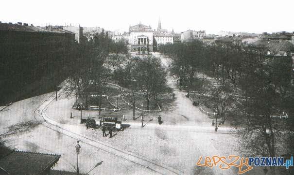 Plac_Wilhelmowski w 1896 z konnym omnibusem  Foto: pozna.wikia.com