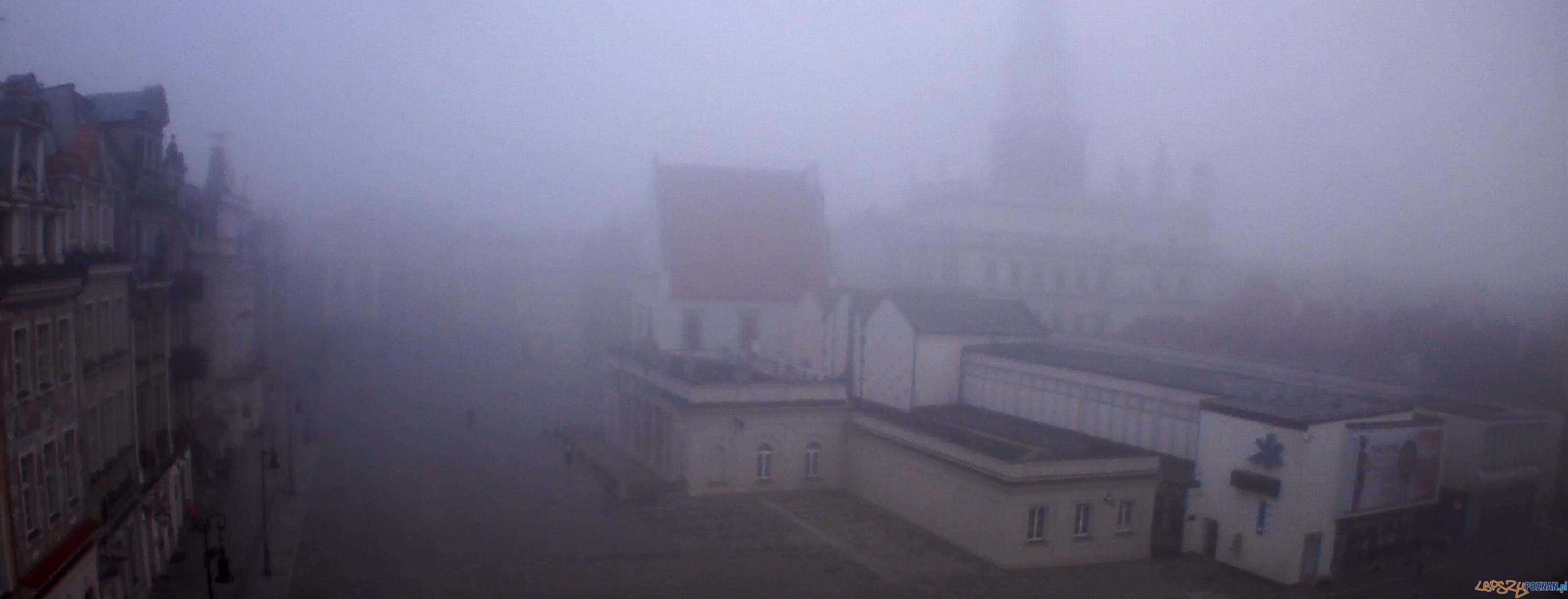 Stary Rynek 14 listopada 2012, godzina 8:05  Foto: oognet