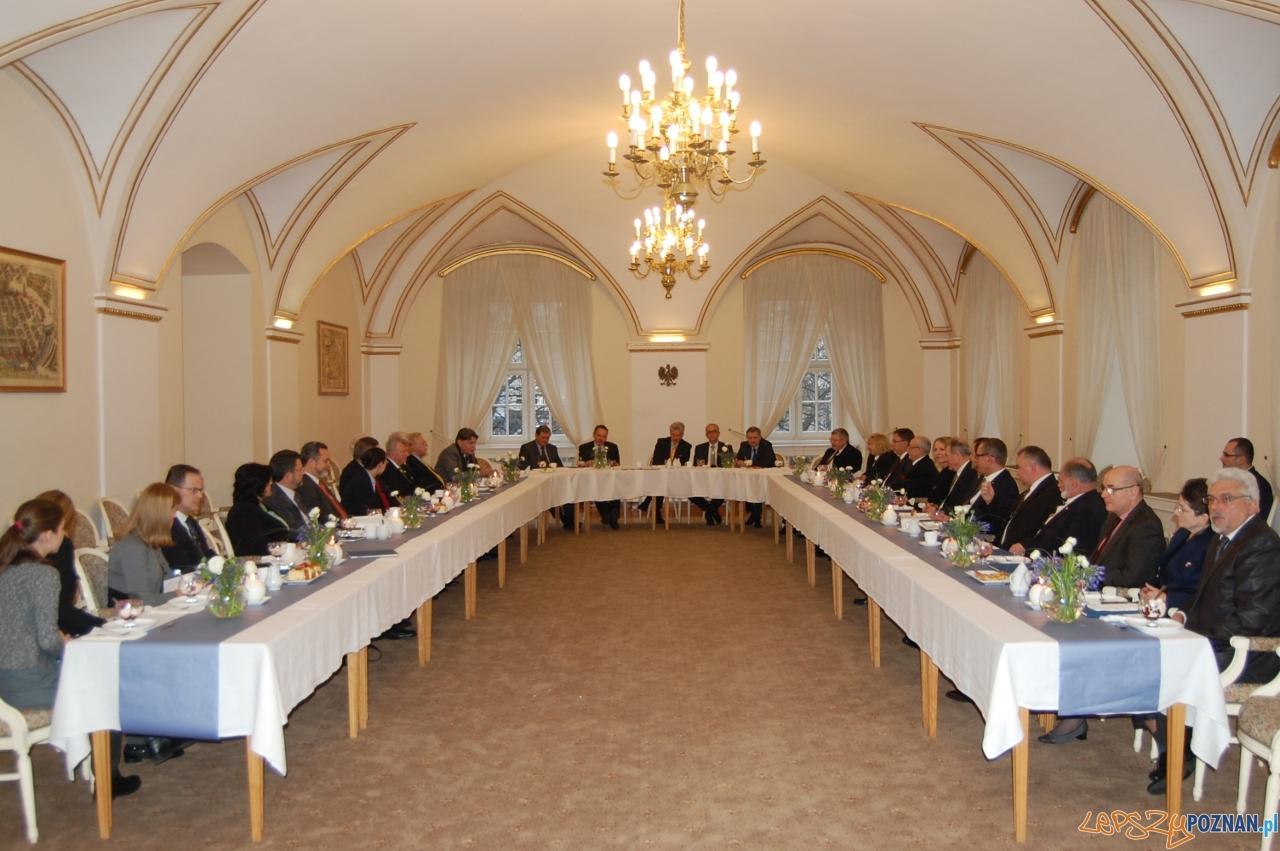 Spotkanie z konsulami (1)  Foto: UM