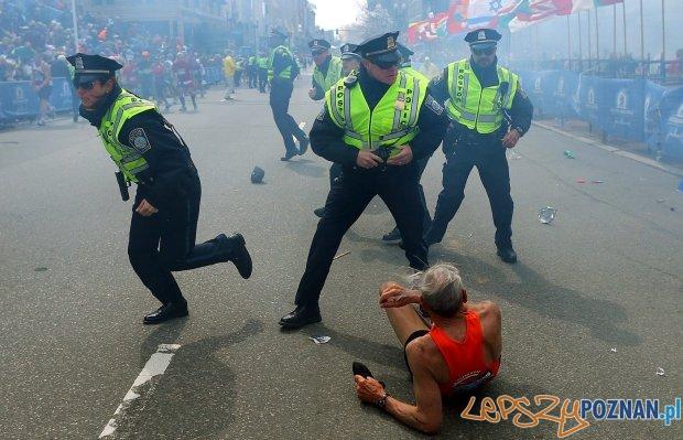 Boston - tuż po pierwszej eksplozji  Foto: AP / John Tlumacki