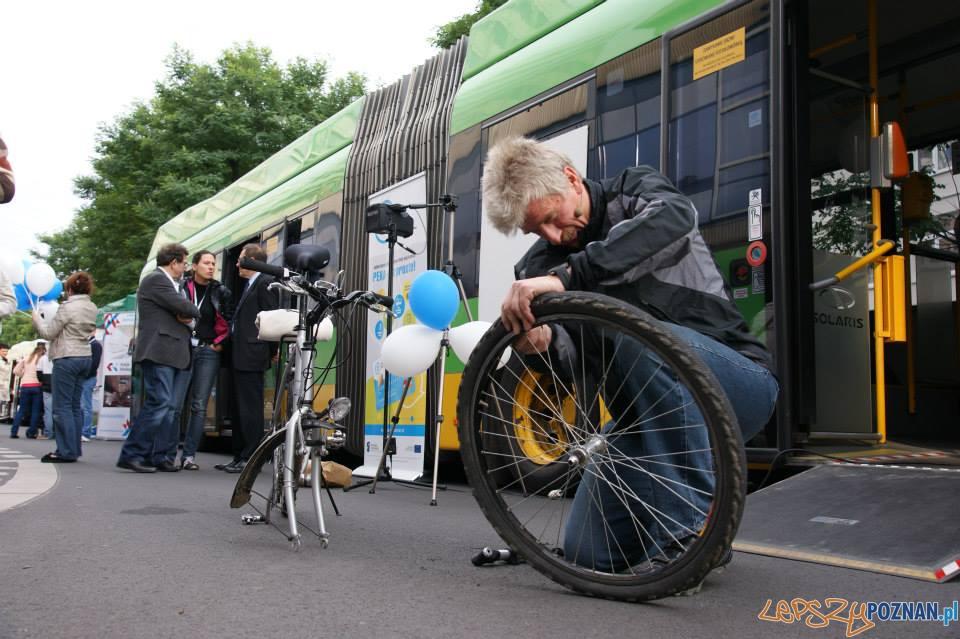 Tydzień bez samochodu - warsztaty rowerowe z prezydentem Grobelnym  Foto: UMP
