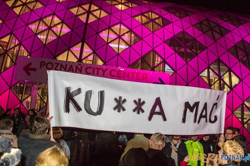 """""""Kr**a mać!"""" przeciwko niefunkcjonalności ZCK - Poznań 8.10.2013 r.  Foto: LepszyPOZNAN.pl / Paweł Rychter"""