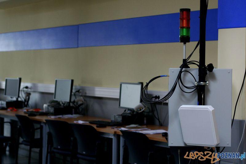 Laboratorium Technik Logistyk. Bramka RFID.  Foto: Przemysław Kozakiewicz