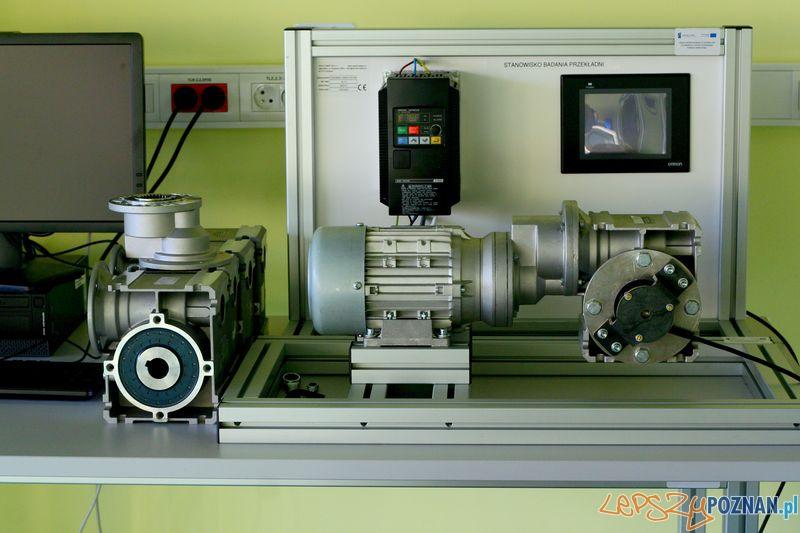 Laboratorium Technik Mechatronik. Stanowisko przekładni.   Foto: Przemysław Kozakiewicz