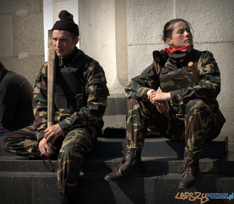 Muszę przyznać, że bez względu na emblematy kobiety w mundurach robią na mnie porażające wrażenie graniczące z fetyszem :)  Foto: lepszyPOZNAN.pl / Mathias Mezler