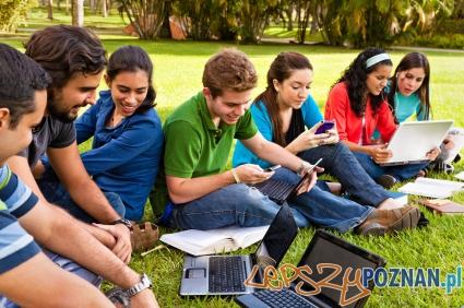 Aplikacje dla studentow  Foto: Alberto L. Pomares G./ CC