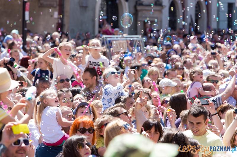 Bańki mydlane na Starym Rynku  Foto: lepszyPOZNAN.pl / Piotr Rychter