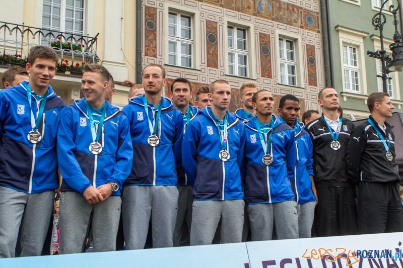 Wręczenie medali Lechowi Poznań za wicemistrzostwo Polski w sezonie 2013/14 - Poznań 02.06.2014 r.  Foto: LepszyPOZNAN.pl / Paweł Rychter