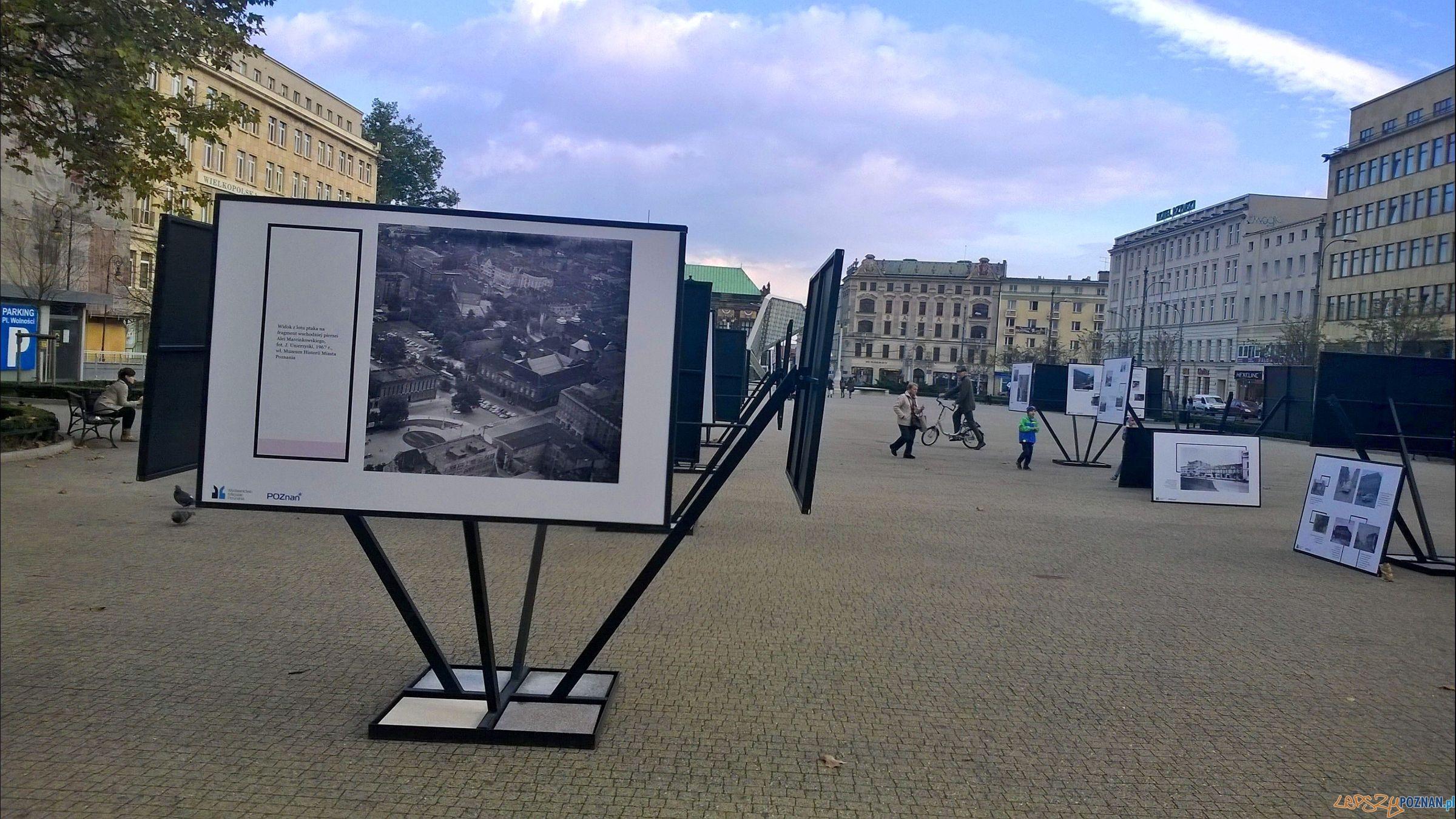 Poznańskie archiwa na Placu Wolności - wystawa   Foto: TD
