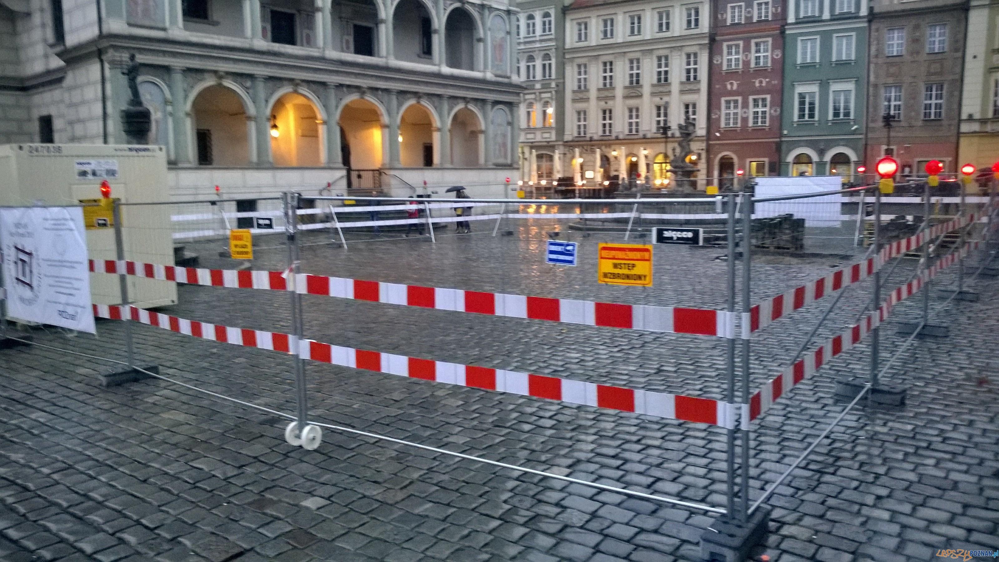 Wykopaliska na Starym Rynku   Foto: TD