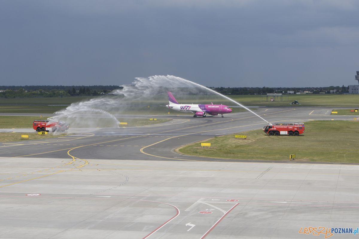 Powitanie drugiego samolotu WizzAir  Foto: materiały prasowe