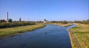 Warta - jak fajnie wypoczywać nad rzeką  Foto: Tomasz Dworek