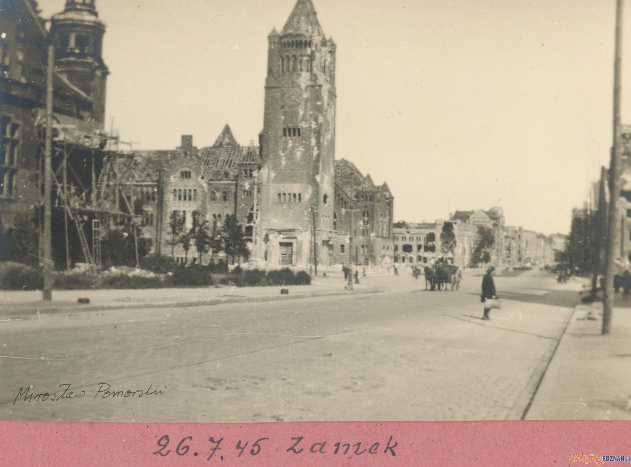 Zamek 26.07.1946  Foto: Mirosław Pomorski / MKZ