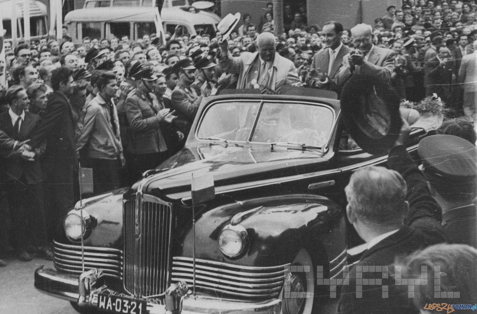 Wizyta Chruszczowa w Wielkopolsce (2)  Foto: H. Ignor / Cyryl - 18.07.1959
