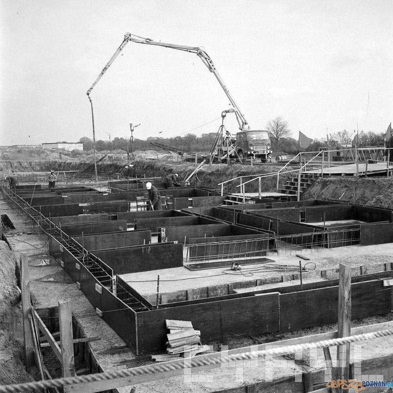Fundamenty pierwszych blokow na Kopernika 4.11.1976  Foto: St. Wiktor / Cyryl