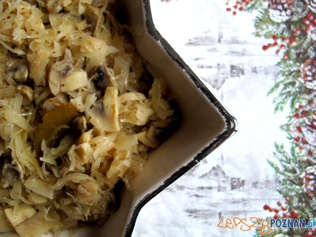 Kapusta z pieczarkami i ostropestem  Foto: http://chilifiga.pl/