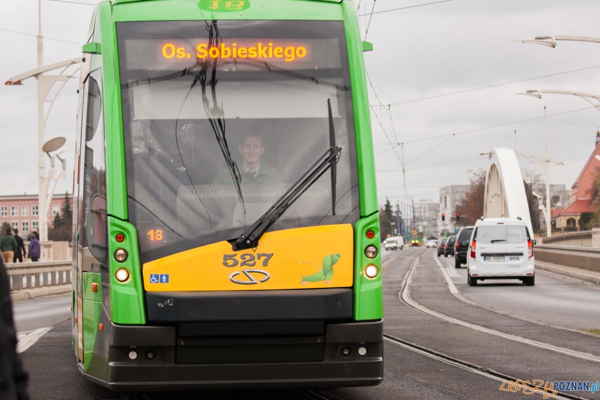 Tramwaj nr 16 / bimba na Moście św. Rocha  Foto: © lepszyPOZNAN.pl / Karolina Kiraga