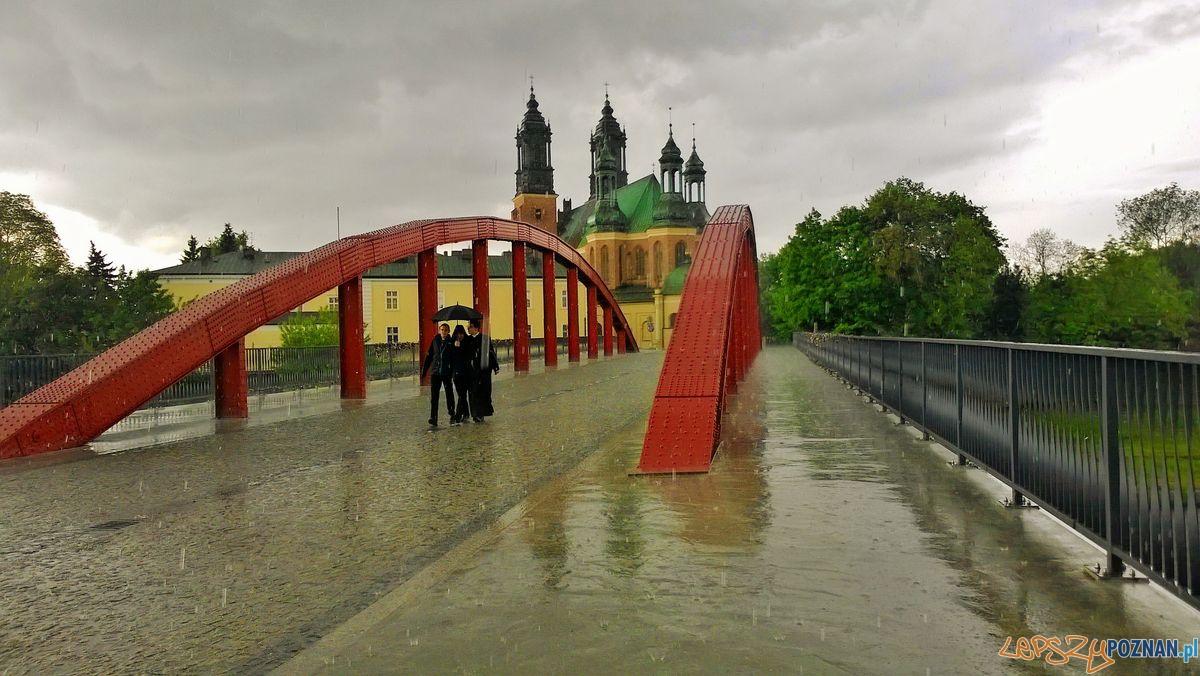 Most Jordana w deszczu  Foto: Tomasz Dworek