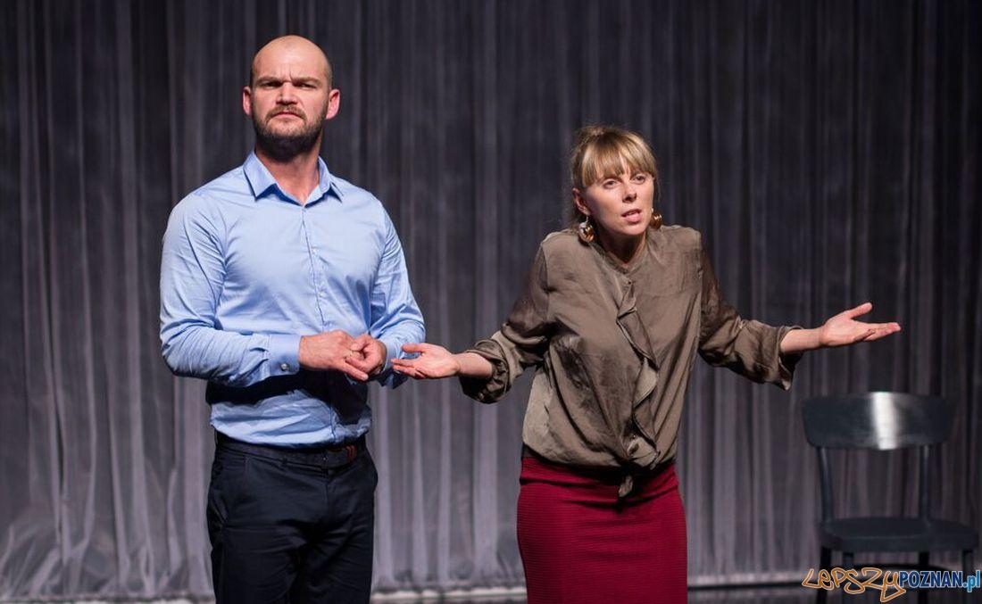 Po co psuć i tak już złą atmosferę - spektakl w Teatrze Nowym  Foto: Alicja Byzdra