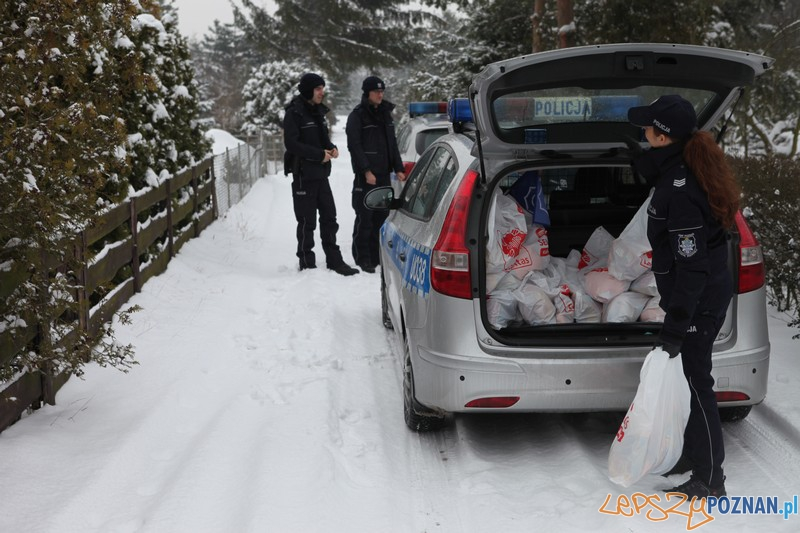Policja i Caritas odwiedzili bezdomnych (8.01.2016)  Foto: www.wielkopolska.policja.gov.pl