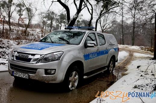 Testy policyjnych aut (2)  Foto: