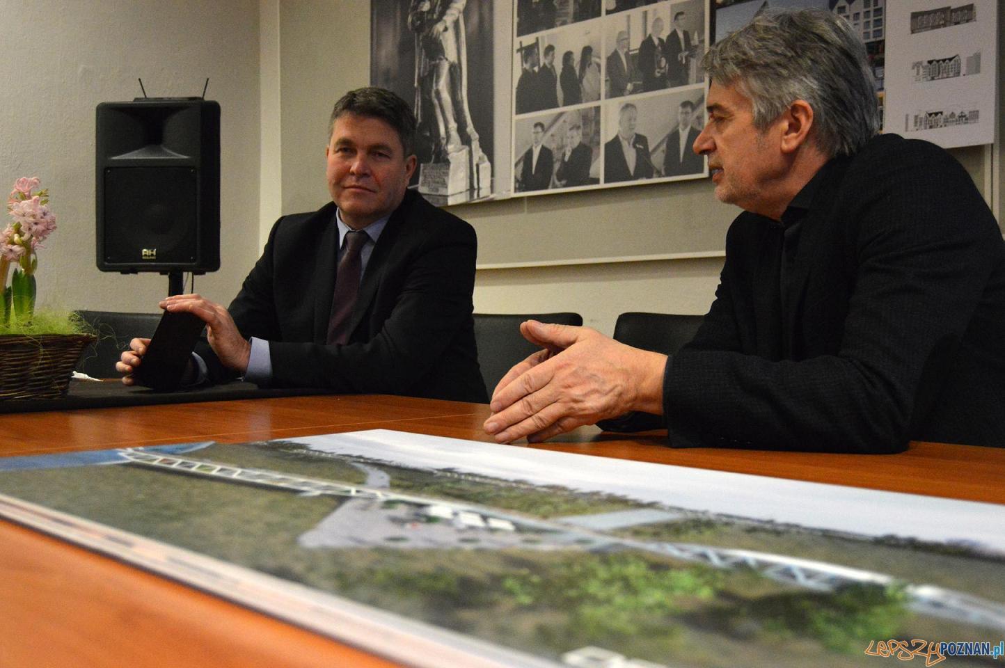 Rozmawiali o nowej kładce na Warcie  Foto: UMP