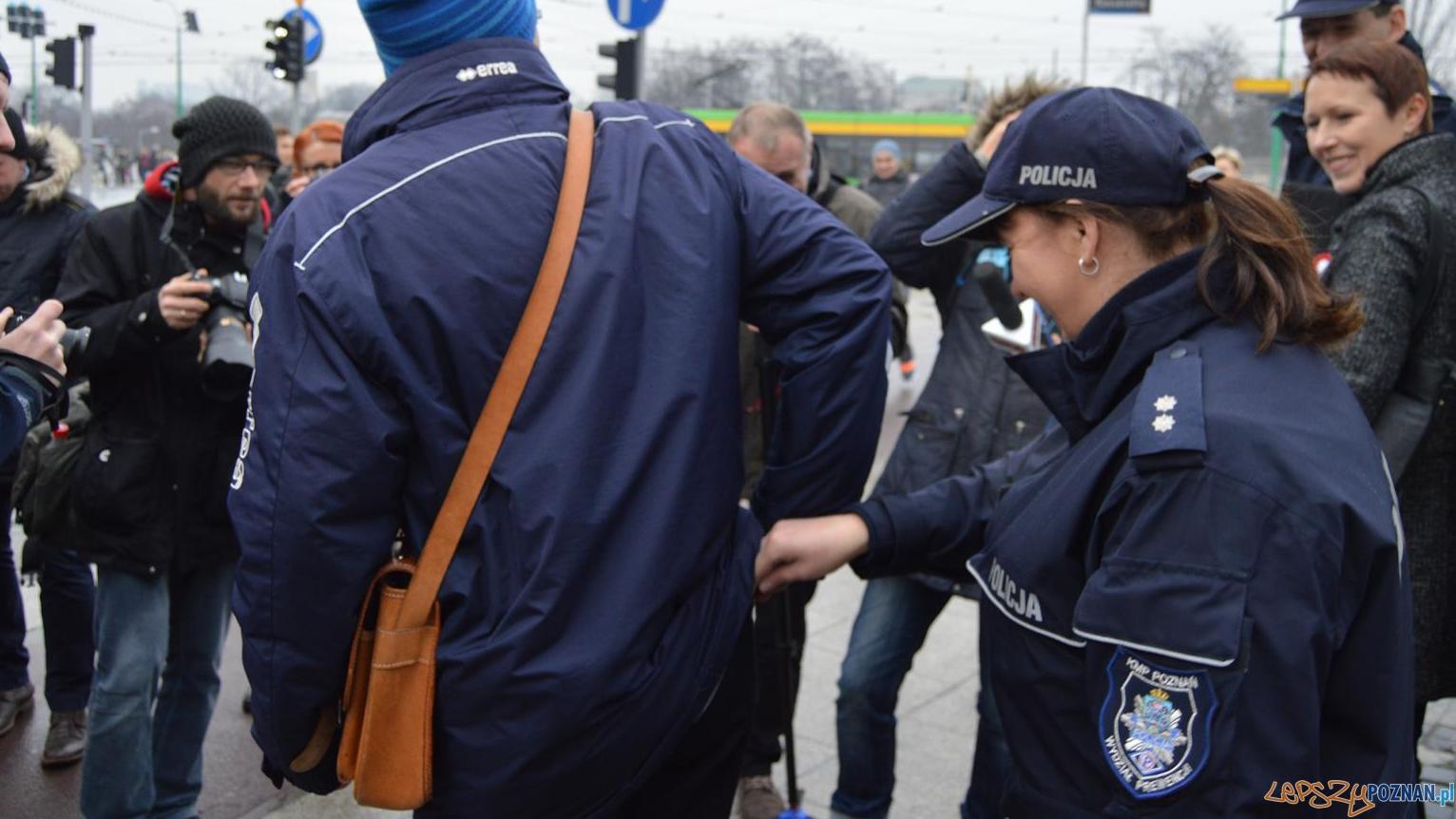 Kieszonkowcy grasują w tramwajach i autobusach  Foto: ZTM