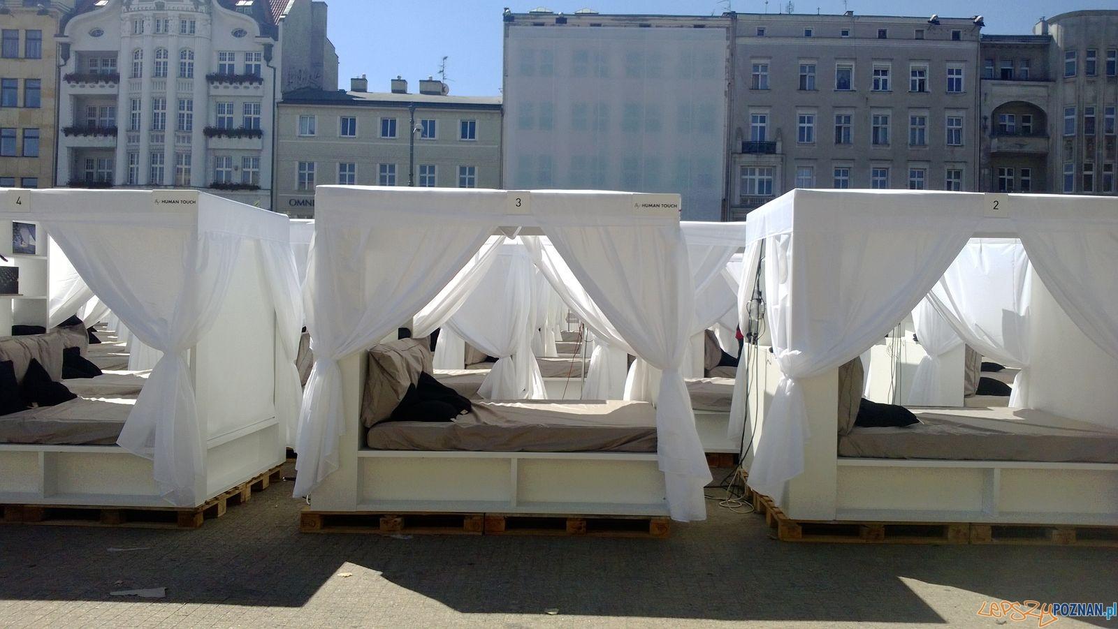 Kino łożkowe na Placu Wolności  Foto: Tomasz Dworek