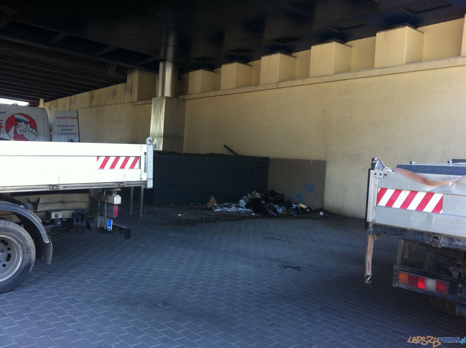 Boksy rowertowe pod Mostem Dworcowym (3)  Foto: ROSM