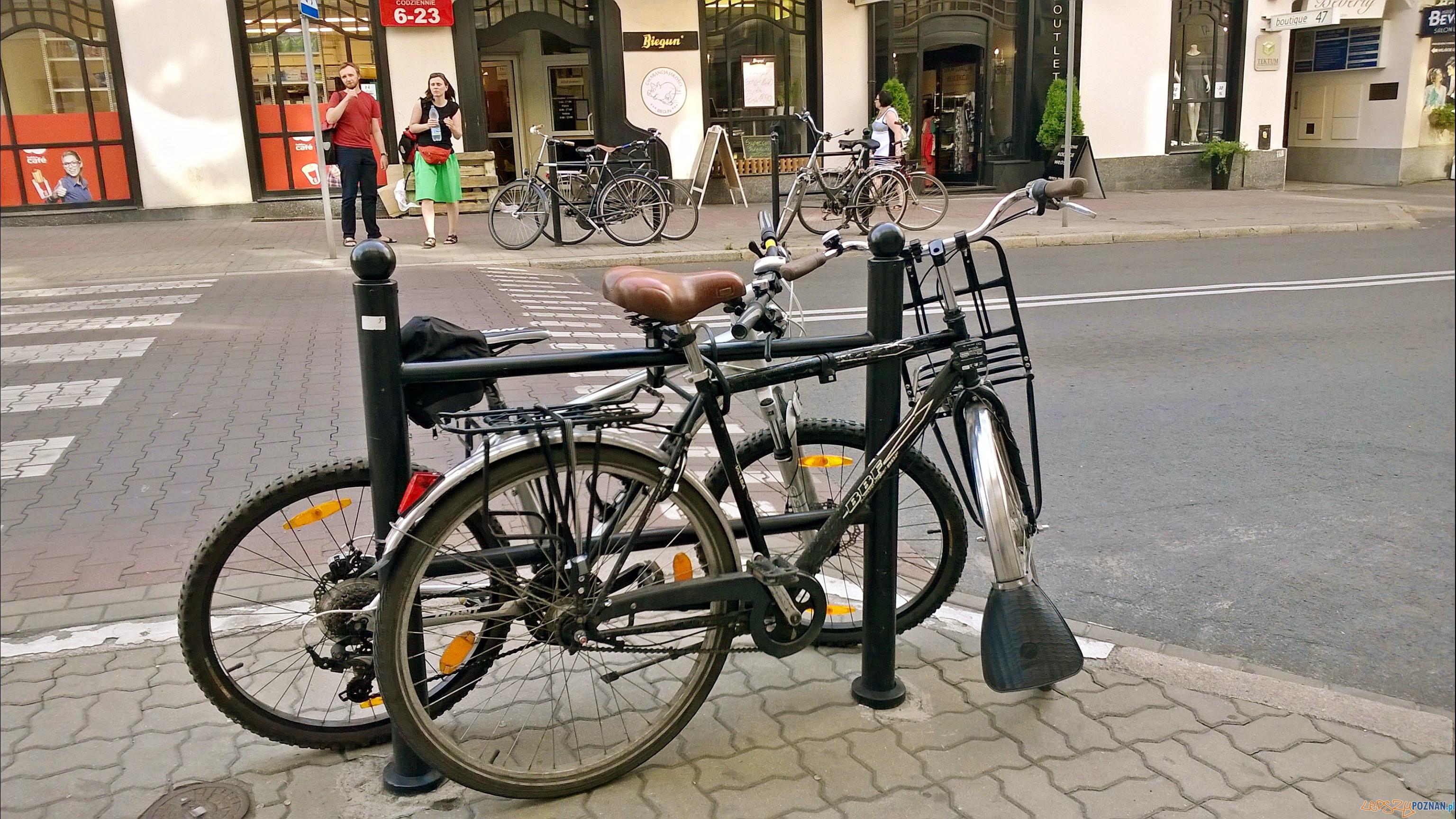Stojak rowerowy przy ul. 3 maja  Foto: Tomasz Dworek