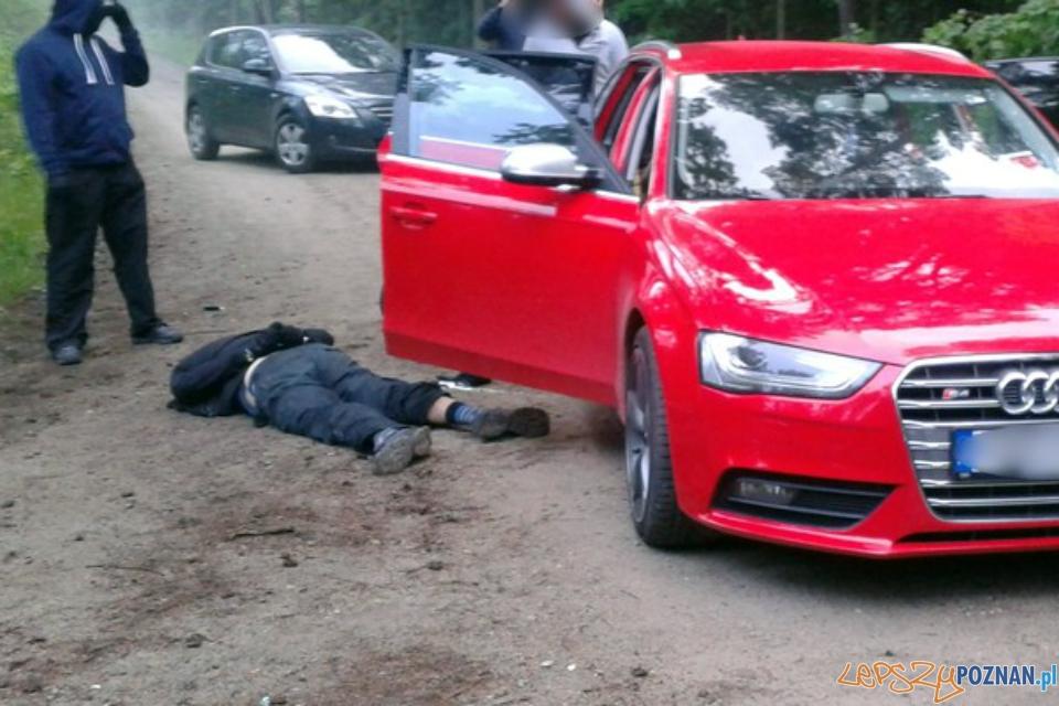 Złodzieje samochodu wartego 80.000 zł złapani po godzinie!  Foto: KWP w Poznaniu