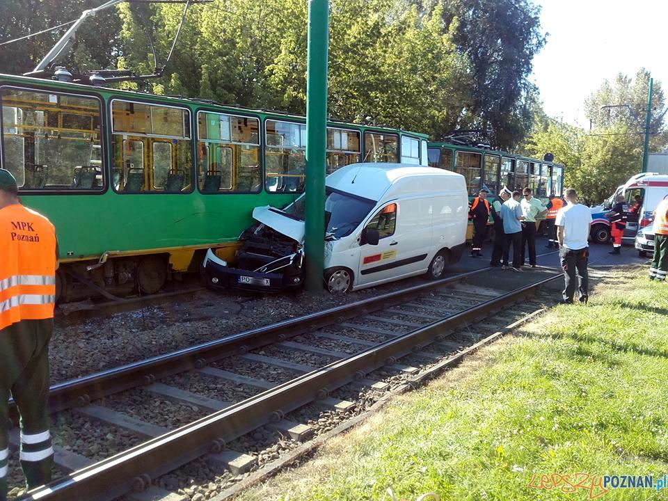 Wypadek na Starołęckiej  Foto: Pomoc Drogowa EuroHol