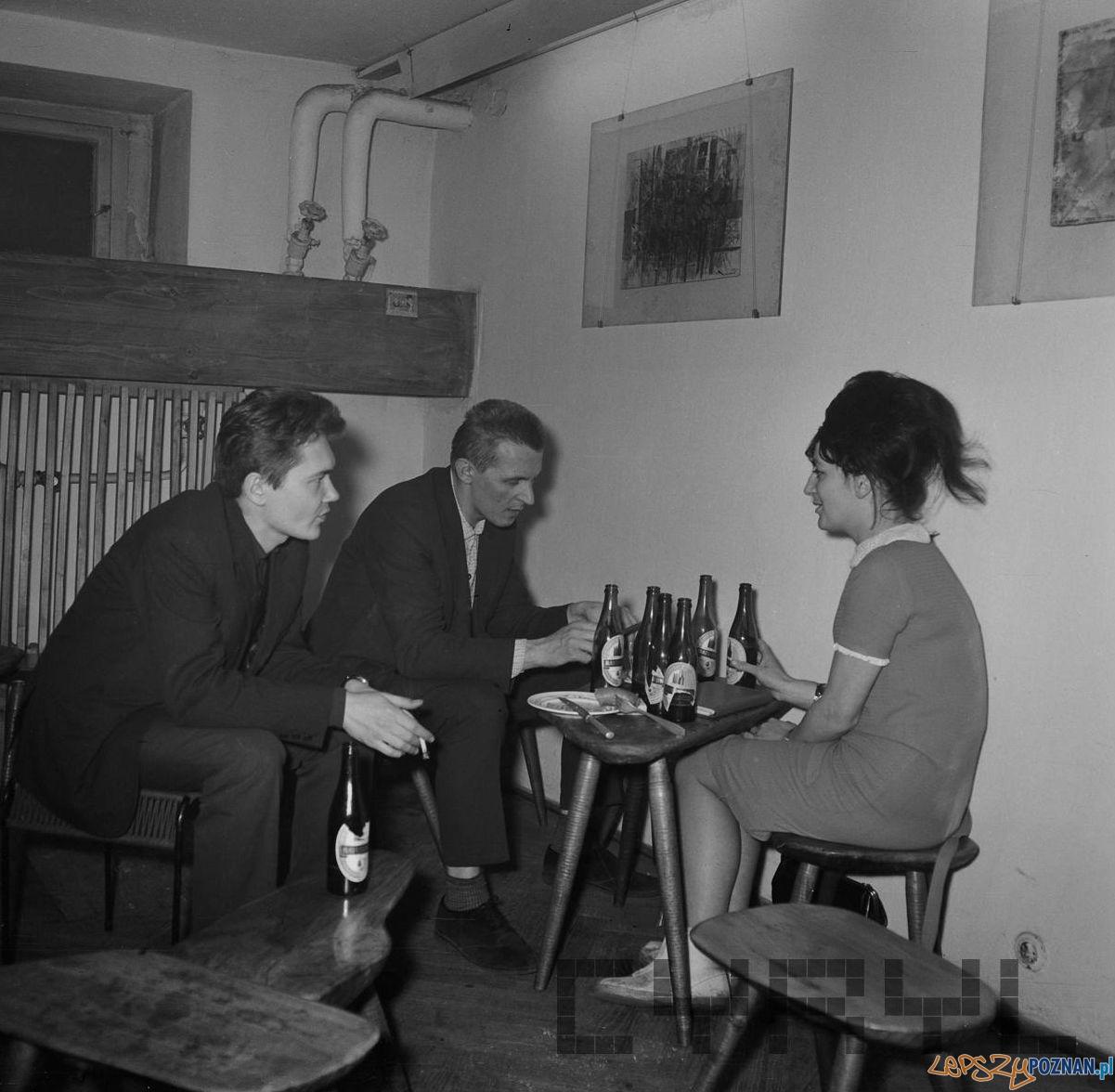 Spotkanie towarzyskie - Klub OdNowa 1965-68  Foto: Jerzy Nowakowski / Cyryl