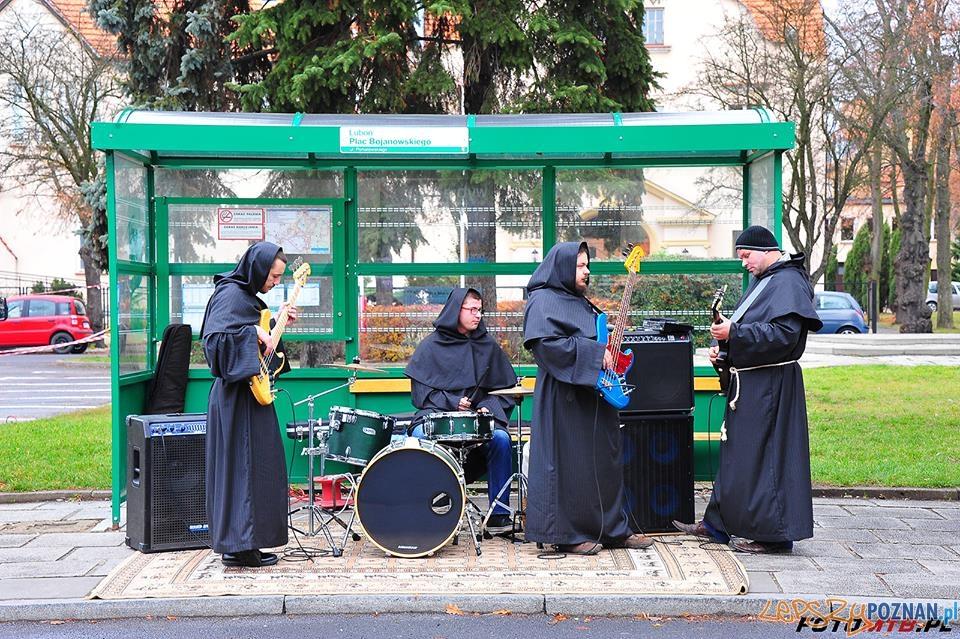Kibice Lubońskiego Biegu Niepodległości  Foto: Luboński Bieg Niepodległości / facebook