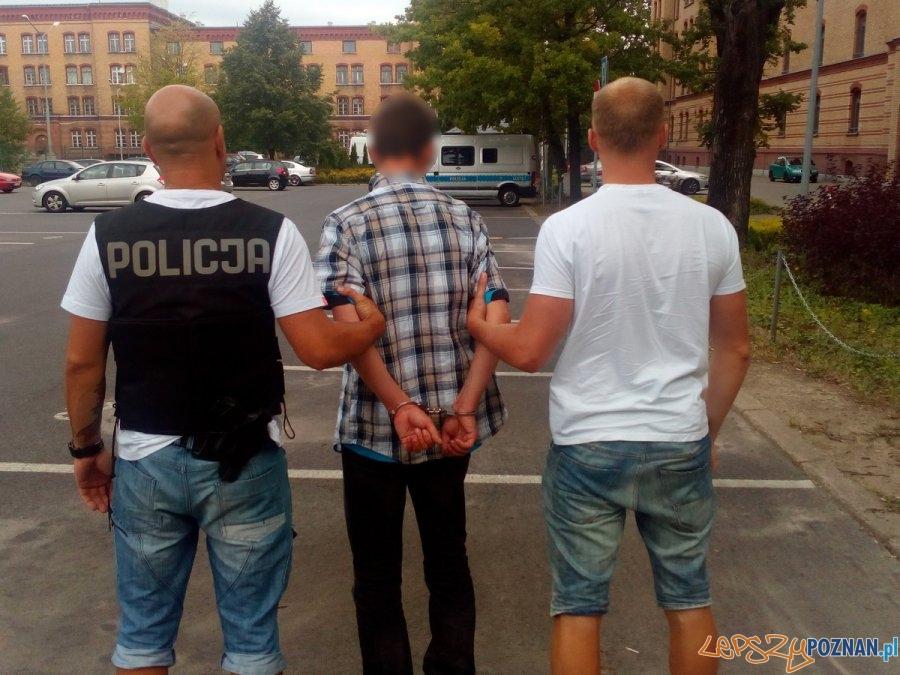 Chciał okraść seniora udając policjanta CBŚ  Foto: KMP  w Poznaniu