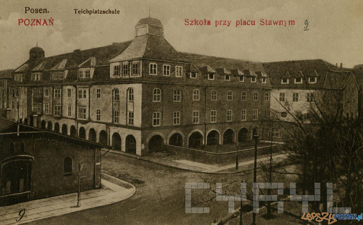 Garbary - Estkowskiego - Sszkola żenska - 1917-19  Foto: Kolekcja Trojanowiczów / Cyryl
