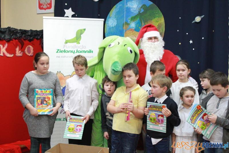 Książki dla uczniów z Kowanówka  Foto: UMiG Oborniki