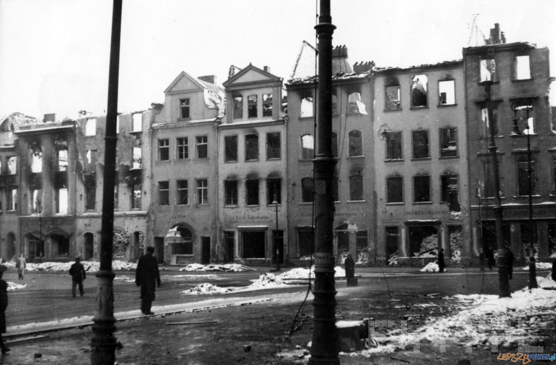 Stary Rynek 1945  Foto: Zbigniew Zielonacki / Cyryl